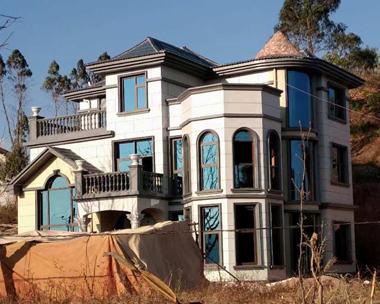 AT1630云南私家欧式豪华三层别墅施工实景照片欣赏